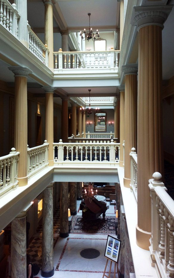 This is the hotel, If you look for a set to film a murder in a hotel, that's your best find: it has four floors and no safety net.